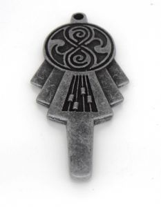 Doctor Who, ANTIQUE SILVER TARDIS KEY Scale 1:1,  prop replica (1)